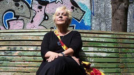 Marja Saloranta Eibert on pettynyt, että Saksasta tuleva joutuu Suomessa karanteeniin.