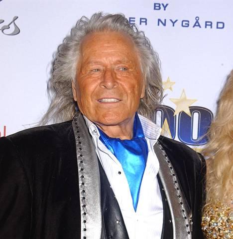 Peter Nygård saapumassa Night Of 100 Stars -juhliin Beverly Hilton -hotelliin Beverly Hillsissä vuonna 2015.