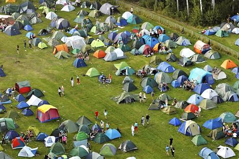 Weekend-festivaalin telttakylä ilmasta käsin perjantaina.