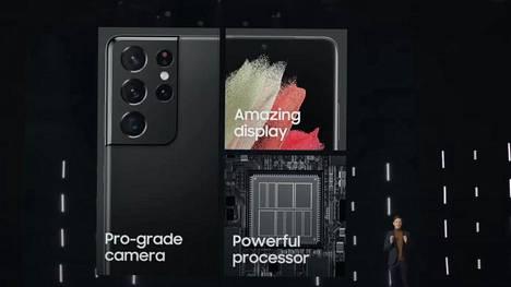 Samsung julkisti Galaxy S21-sarjan puhelimet torstaina virtuaalisessa tiedotustilaisuudessa. Kuvakaappaus videolta.