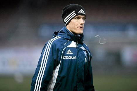 Mika Väyrynen jatkaa HJK:ssa.