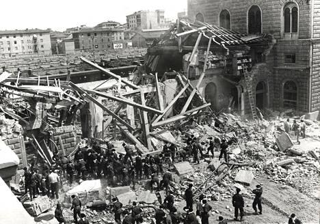 Oikeudenkäynti Bolognan rautatieaseman vuoden 1980 pommiattentaatista alkoi seitsemän vuotta itse iskun jälkeen. Monien mielestä kyseenalainen tuomio saatiin aikaiseksi 15 vuotta iskun jälkeen.