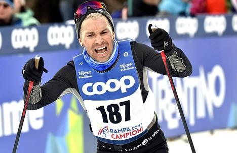 """Antti Tuisku kiipesi Alpe Cermisin maineikkaan loppunousun Tour De Skin oheistapahtumassa """"Rampa con i Campioni"""" Val Di Fiemmessä sunnuntaina."""