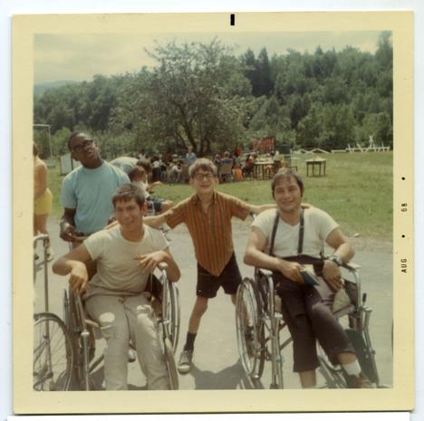 Catskillvuorilla sijainneesta Camp Jened -kesäleiristä kehittyi 1960- ja 1970-lukujen vaihteessa tärkeä paikka USA:n vammaisten kansalaisoikeusliikkeelle.