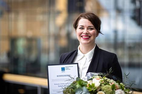 Erätauko-säätiön toimitusjohtaja Laura Arikka saa kansainvälisen lehdistöinstituutin IPI:n tunnustuksen työstään.