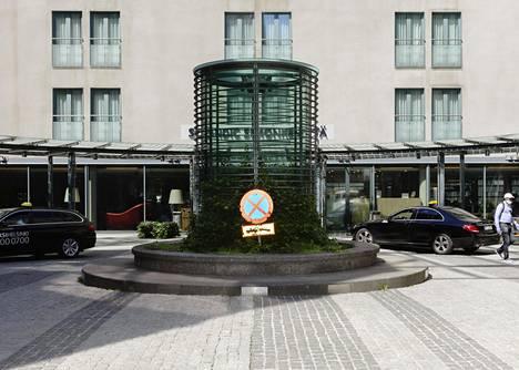Suomen suurin hotelliketju Scandic avasi kesäkuun alussa hotellejaan, ja tavoitteena on avata tässä kuussa vielä lisää.