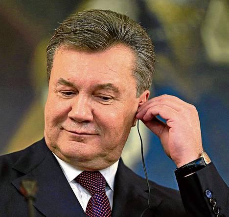 Ukrainan presidentin Viktor Janukovytšin korva on kallistunut viime aikoina enemmän itään kuin länteen päin. EU saa odottaa yhteistyösopimustaan.