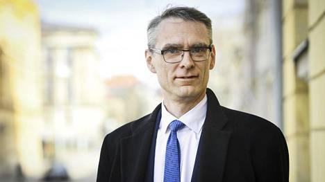 Euroopan unioni   Oikeuskansleri Tuomas Pöystiltä vihreää valoa komission kiistellylle hätärahoitukselle