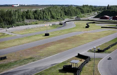 Vantaan vauhtikeskuksen kartingradalla ajetaan heinäkuussa SM-kilpailuissa.