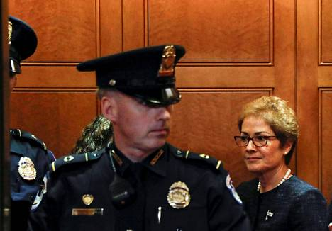 Yhdysvaltain entinen Ukrainan suurlähettiläs Marie Yovanovitch oli edustajainhuoneen kuultavana 11. lokakuuta.