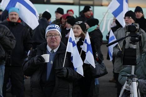 Äärioikeistolainen Suomi ensin -liike järjesti mielenosoituksen Helsingissä viime itsenäisyyspäivänä.