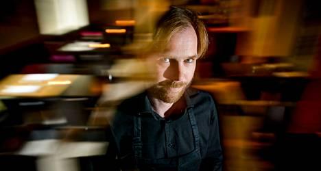 Bar Favelan omistaa Niko Peltomaa, joka pyöritti myös samoissa tiloissa aiemmin toiminutta ravintola Mecheä.