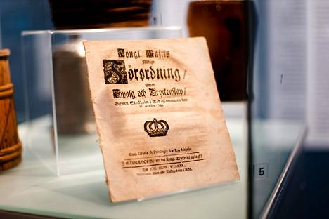Julkihumala kiellettiin vuonna 1773.