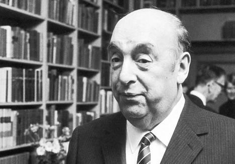 Pablo Neruda Tukholmassa Nobel-palkinnon vastaanottamisen jälkeen joulukuussa 1971.