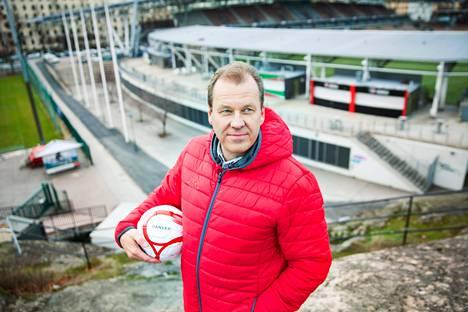 HIFK:n kotikentäksi on varmistunut Sonera-stadion. René Östermanin johdolla seura on tehnyt toistaiseksi kahdeksan pelaajasopimusta.