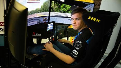 Sami-Matti Trogen kuuluu Williamsin F1-tallin e-urheilujoukkueeseen.