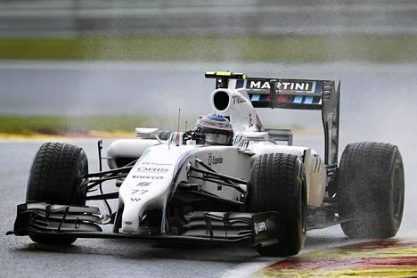 Valtteri Bottas sijoittui kuudenneksi sateisella säällä ajetuissa aika-ajoissa.