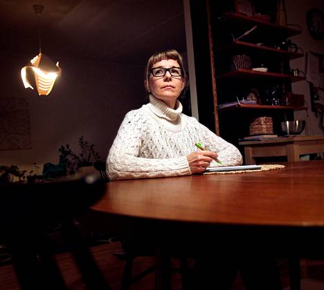 Annu Tuominen kirjasi huolet ylös, mikä auttoi univajeeseen.