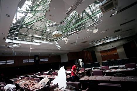 Blitarin kaupungin oikeustalo kärsi pahoja vaurioita maanjäristyksessä.