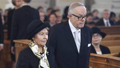 Presidentti Martti Ahtisaari ja rouva Eeva Ahtisaari osallistuivat itsenäisyyspäivän ekumeeniseen juhlajumalanpalvelukseen Helsingin tuomiokirkossa joulukuussa 2016.