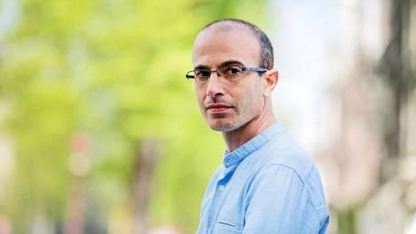 Yuval Harari, 42, opettaa historiaa Jerusalemin heprealaisessa yliopistossa.