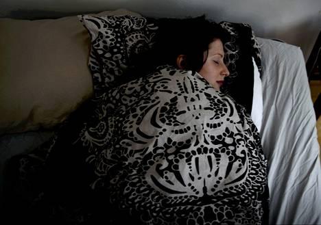 Liian pitkät yöunet voivat amerikkalaisasiantuntijoiden mukaan lisätä riskiä diabetekseen, sydäntauteihin ja ennenaikaiseen kuolemaan.