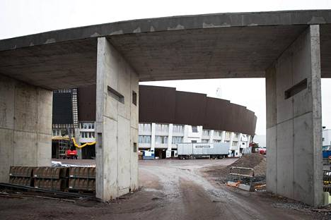 Uusitun Helsingin Olympiastadionin pohjoispuolta.