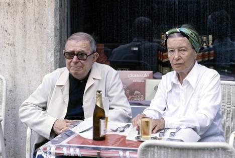 Jean-Paul Sartre ja Simone de Beauvoir pistäytyivät terassilla Roomassa syyskuussa 1978.