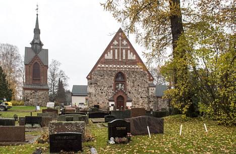 Pyhän Laurin kirkko on suosittu vihkipaikka, jonka kalenteri täyttyy tavallisesti jo kauan ennen kesän hääsesonkia.
