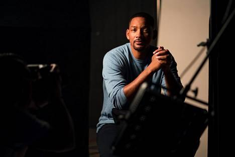 Dokumenttisarjan juontaa näyttelijä Will Smith.