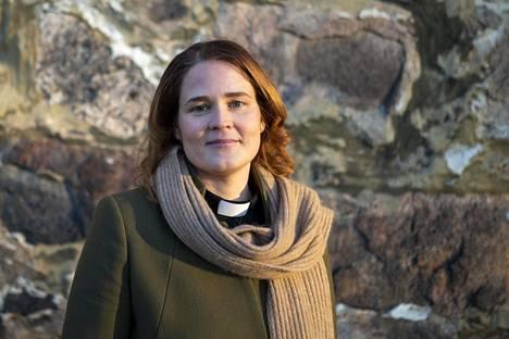 Mari Leppänen työskentelee hiippakuntadekaanina.