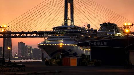 Diamond Princess -alus Jokohamassa maanantaina 24. helmikuuta.