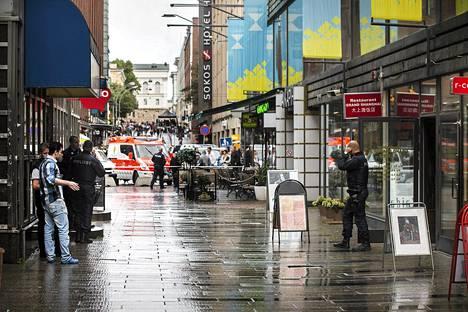 Ampumavälikohtaus tapahtui Helsingissä Ateneuminkujalla maanantaina.
