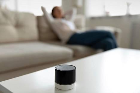 Yhä useammassa kodissa musiikkia kuunnellaan pienestä langattomasta kaiuttimesta.