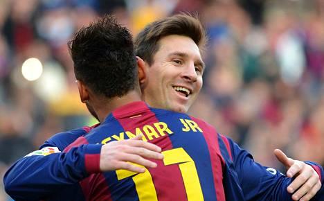 Kolmen maalin Lionel Messi sai onnittelut Neymarilta.