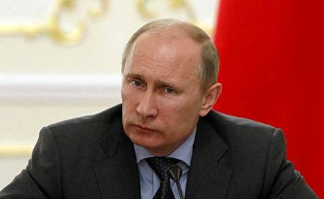 Oppositio on kritisoinut Venäjän presidentti Vladimir Putinia kansalaisjärjestöjen hiljentämisestä.