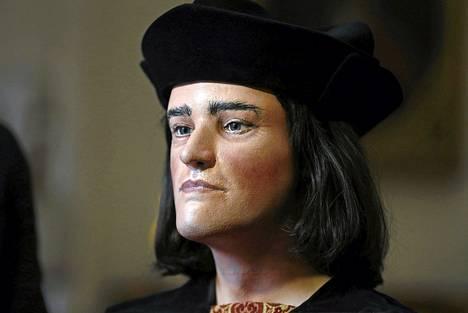 Kuningas Rikhard III:nnen kasvojen luuston perusteella tehty vahajäljennös julkistettiin Lontoossa tiistaina.