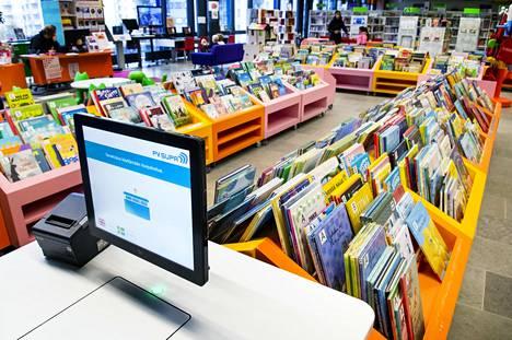 Lastenkirjoja kauppakeskus Entressen kirjastossa Espoon keskuksessa.
