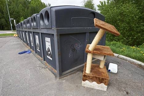 Kierrätysjätteen alueellinen keräyspiste Vantaalla.