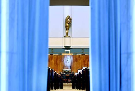 Eduskunnan istuntosali Helsingissä 25. maaliskuuta 2021.