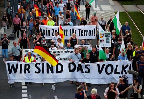 Äärioikeistolainen Pro Chemnitz -kansanliike järjesti Chemnitzissä 25. elokuuta 2019 ulkomaalaisvastaisen marssin. Liike on pitänyt esillä Chemnitzissä vuonna 2018 tapahtunutta puukotusta, josta tuomittiin syyrialaismies.