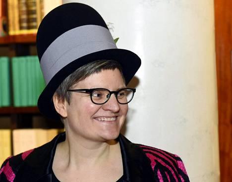 Tiitu Takalo palkittiin tiistaina Suomen sarjakuvaseuran Puupäähattu-palkinnolla.
