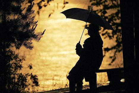 Juhannus on helteinen keskimäärin kerran neljässä vuodessa. Kotkan Hurukselassa Kymijoen varrella satoi 2008.