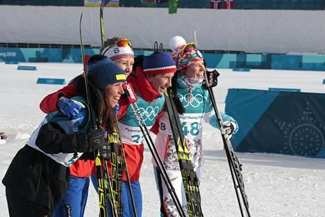 Mitalisteja olikin torstaina neljä: Charlotte Kalla hopeaa, Ragnhild Haga, kultaa ja Marit Björgen ja Krista Pärmäkoski pronssia.