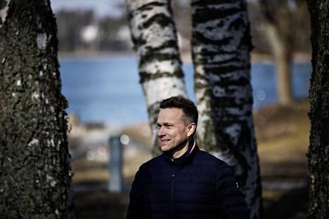 """OP-ryhmän pääjohtaja Timo Ritakallio on kokenut niin monta talouskriisiä, ettei koronavirusepidemia ole häntä järkyttänyt. """"Aloin heti miettiä, miten tästä päästäisiin ulos ja eteenpäin."""""""