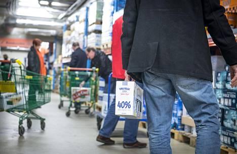 Kaikkien muiden alkoholijuomien paitsi väkevien matkustajatuonti Virosta väheni viime vuonna.