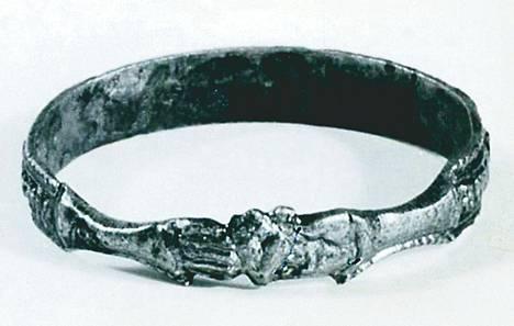 Varastetut sormukset ovat peräisin 1400-luvulta.