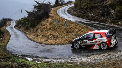 Kalle Rovanperä ajoi Monte Carlon MM-rallin avauspäivänä neljänneksi nopeimmin.