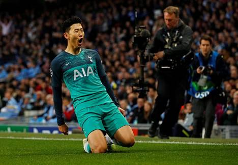Heung-min Son viimeisteli kaksi maalia Tottenhamille.