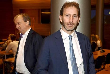 Italian Viiden tähden liikkeen keskeinen taustavaikuttaja, it-yrittäjä Davide Casaleggio (oik.) osallistui Liike Nyt -eduskuntaryhmä järjestämään seminaariin Harry Harkimon kutsumana keskiviikkona Helsingissä.